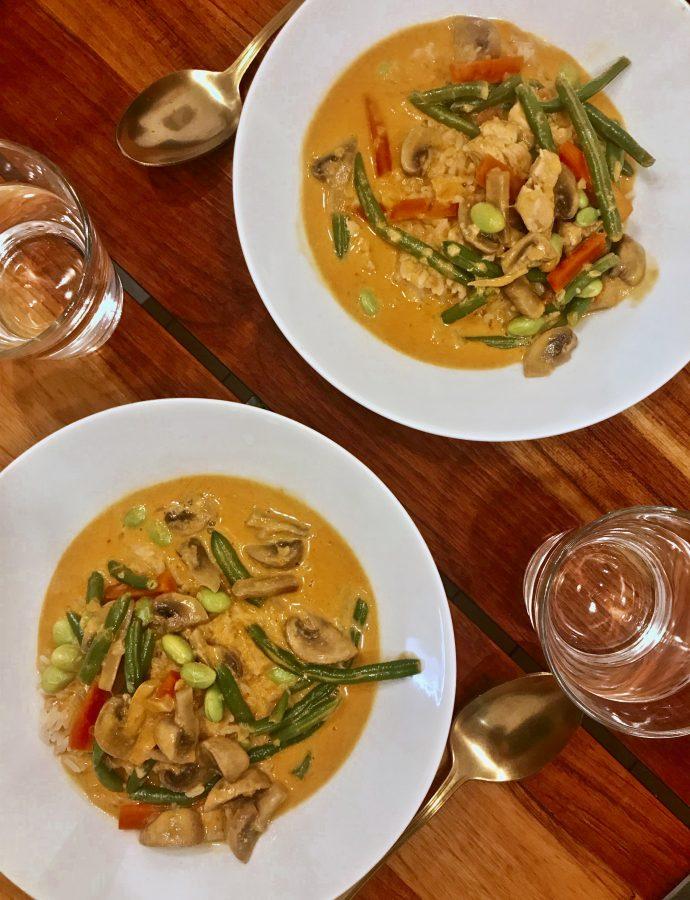 Panang Curry med rød karrypaste, peanutbutter og kylling