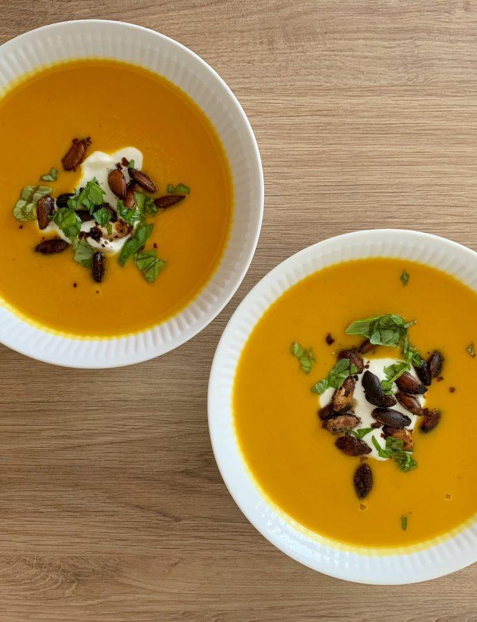 Hokkaido og sødkartoffel suppe