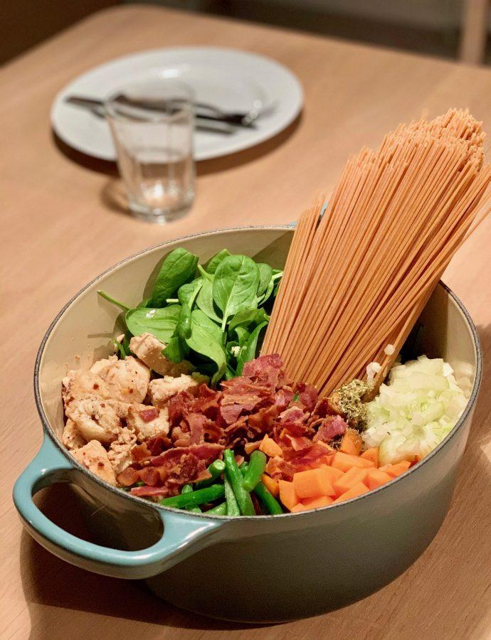 One pot pasta med spinat og kylling