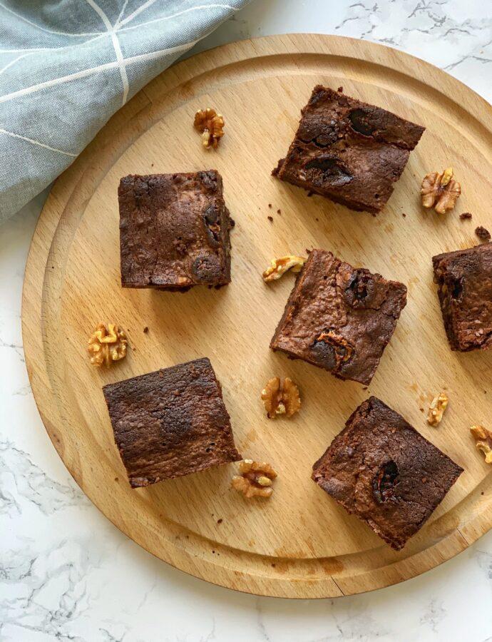 Brownie med chokolade og skumfiduser