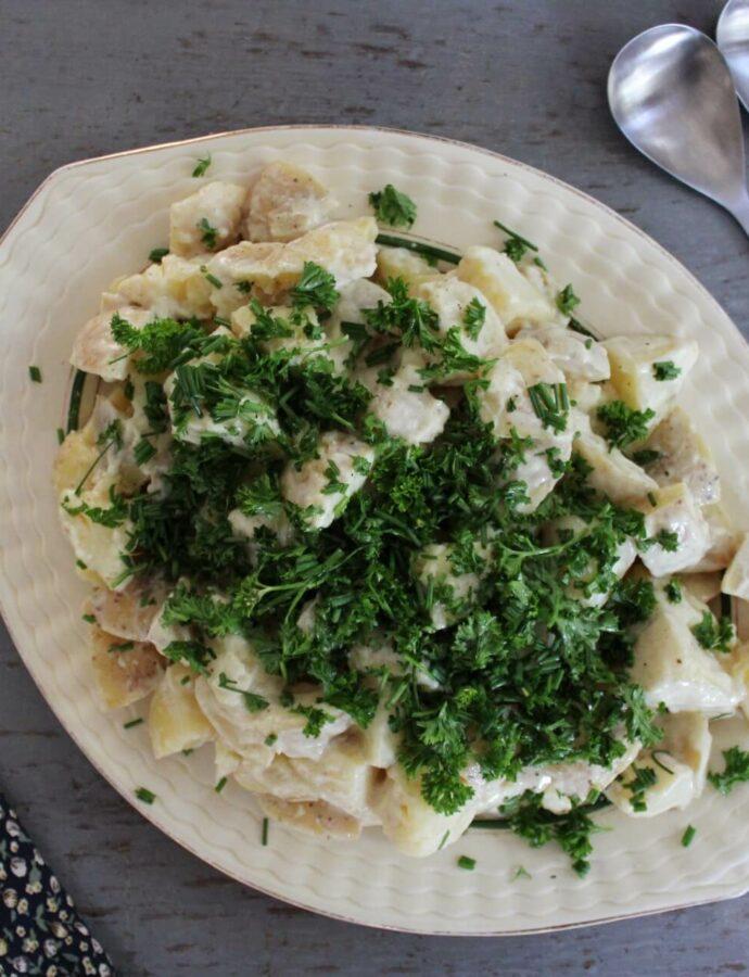 Kold kartoffelsalat med sennepsdressing
